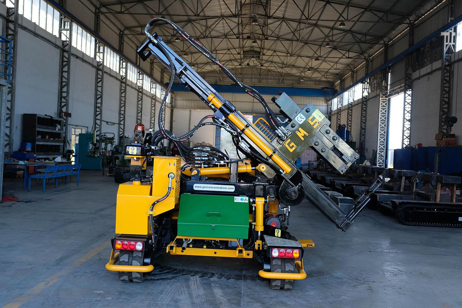 GMS Kazık ve Direk Çakma Makinesi